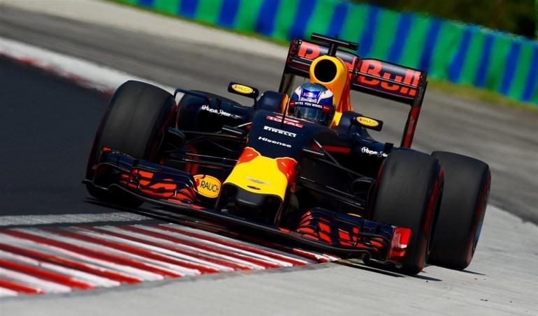 O Ricciardo ανέβηκε στο βάθρο της Ουγγαρίας με Red Bull