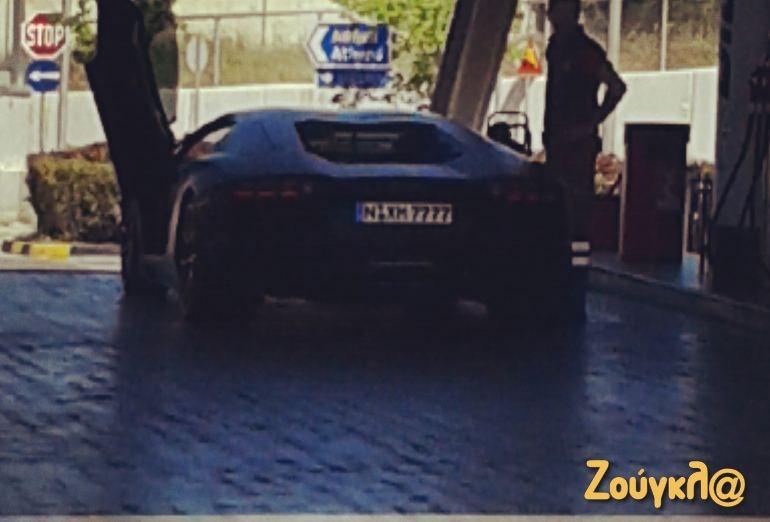 Lamborghini Aventador: V12, 6498 κ.εκ. 700 άλογα, 0-100 σε 2.9 δευτ. και τελική 350χλμ./ώρα