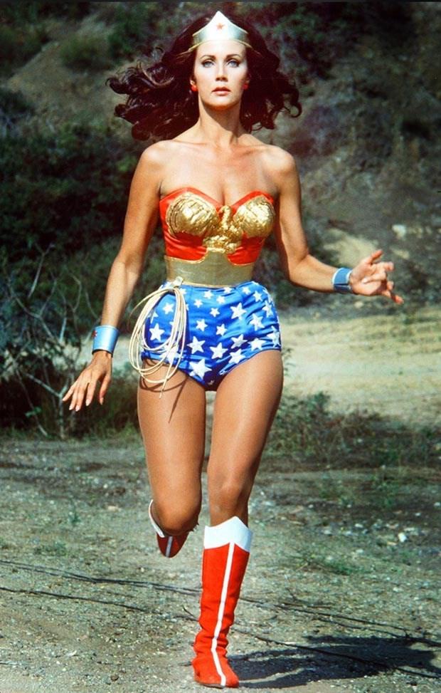 H Λίντα Κάρτερ ως Wonder Woman