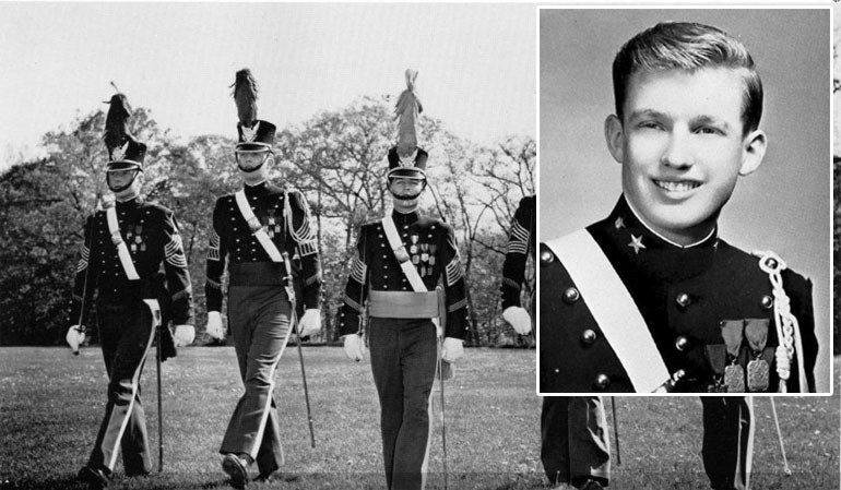 Ο Τραμπ στη στρατιωτική σχολή/ 1964 (δεύτερος από αριστερά)