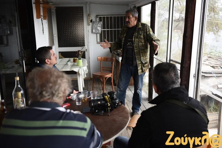 Οι ψαράδες εξηγούν την κατάσταση στον φακό του zougla.gr
