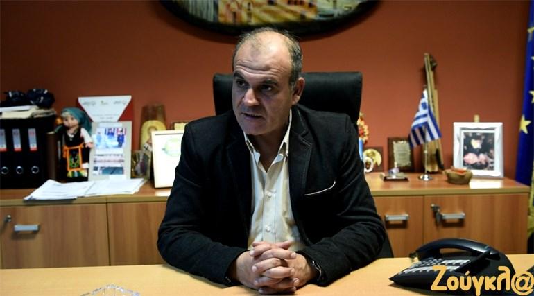 Ο Νικόλαος Γκότσης, Αντιδήμαρχος Φερών, τονίζει ότι η τοπική κοινωνία επιθυμεί τη διατήρηση των καλυβών