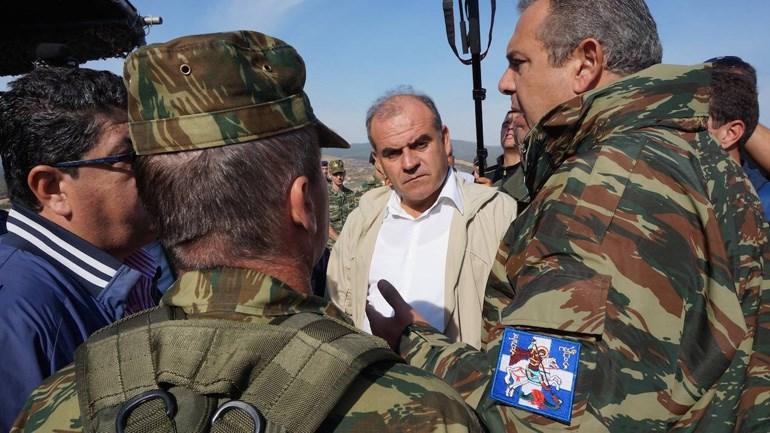 Ο υπουργός Εθνικής Άμυνας σε πρόσφατη επίσκεψή τους στο Δέλτα του Έβρου, διαβεβαιώνει τους τοπικούς φορείς ότι ο στρατός θεωρεί απαραίτητες τις καλύβες