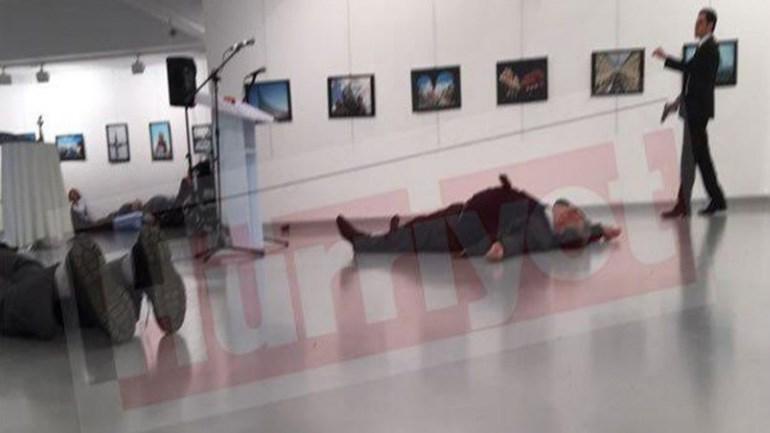 Ο Ρώσος πρέσβης αιμόφυρτος στο έδαφος