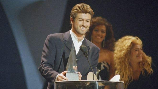 Μετά τους Wham,  Η σόλο καριέρα του  George Michael πραγματικά απογειώθηκε.   Ο πρώτος σόλο δίσκος του, Faith, που κυκλοφόρησε το 1987, έχει πουλήσει περισσότερα από 20 εκατομμύρια αντίτυπα παγκοσμίως. Είχε κερδίσει πολυάριθμα μουσικά βραβεία κατά τη διάρκεια της 30-ετούς καριέρας, συμπεριλαμβανομένων τριών βραβείων Brit, τεσσάρων MTV Video Music Awards, τριών Αμερικανικών Μουσικών Βραβείων και δύο βραβείων Γκράμι. Το 2004, η Ακαδημία Ραδιοφώνου ανακοίνωσε ότι ο Τζορτζ Μάικλ ήταν ο καλλιτέχνης του οποίου τα έργα παίχθηκαν περισσότερο στο βρετανικό ραδιόφωνο την περίοδο 1984-2004.