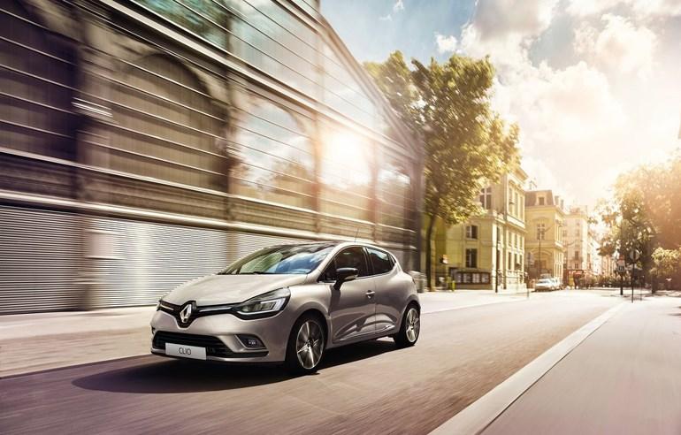 Τις 3.046 πωλήσεις καινούργιων αυτοκινήτων άγγιξε η Renault την περασμένη χρονιά...