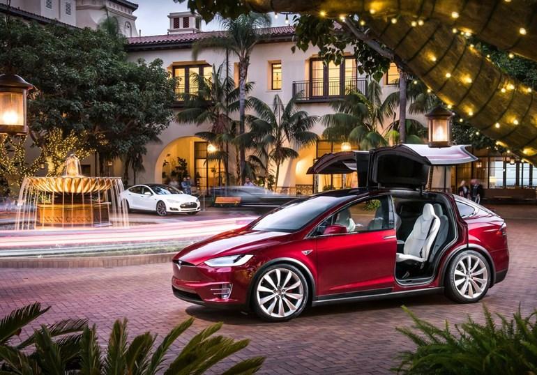Τρία Tesla ταξινομήθηκαν το 2016...