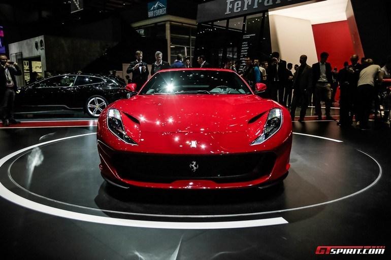 Ferrari 812 Superfast. Προκάλεσε κυριολεκτικά πάταγο στην πρεμιέρα