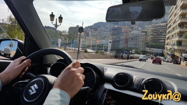 Στο κέντρο του Μονακό φτάσαμε οδηγώντας την 3η γενιά του Suzuki Swift...