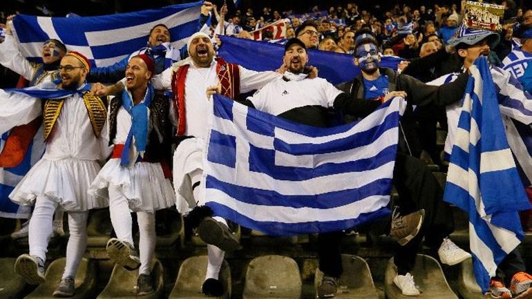 Oι Έλληνες φίλαθλοι έχουν φορέσει τις φουστανέλες τους