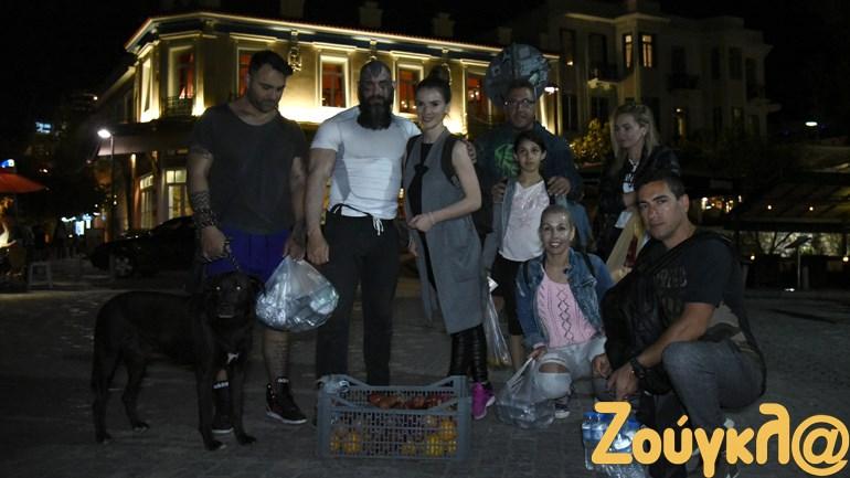 Κάθε Τρίτη βράδυ, ο ομάδα 'Δείπνο Αγάπης' μοιράζει αγαθά στο κέντρο της Αθήνας