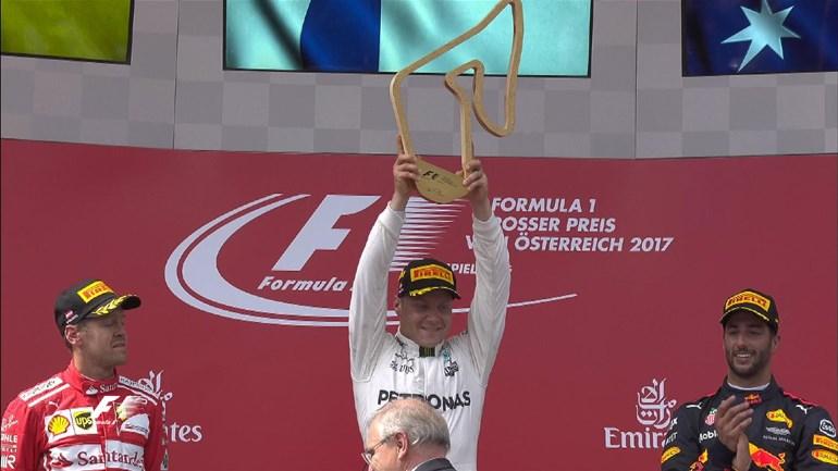 O Valtteri Bottas πανηγυρίζει την 2η φετινή του νίκη με Mercedes. Χαρακτηριστικό επίσης το γεγονός ότι, σε 9 αγώνες έχει ανέβει 6 φορές στο βάθρο των νικητών!