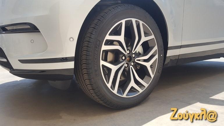 Επιβάλλονται οι μεγάλες και όμορφες ζάντες αλουμινίου σε ένα SUV της συγκεκριμένης κατηγορίας