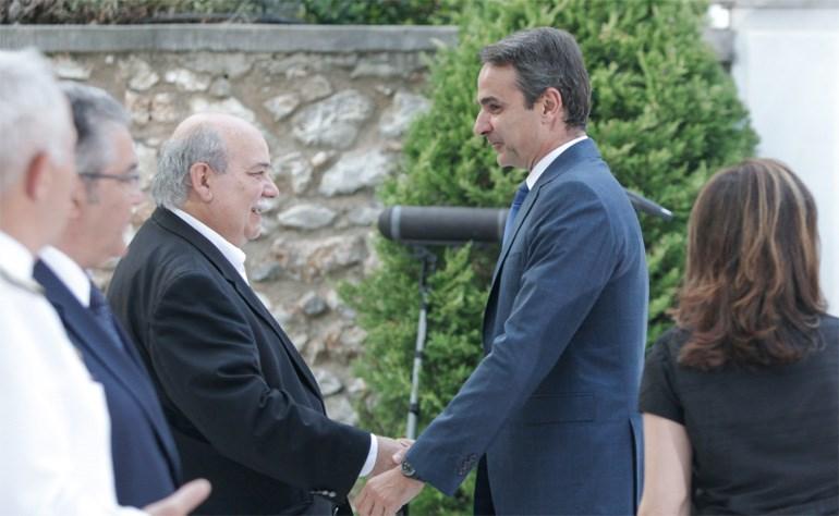 Ο Κυριάκος Μητσοτάκης με τον Νίκο Βούτση