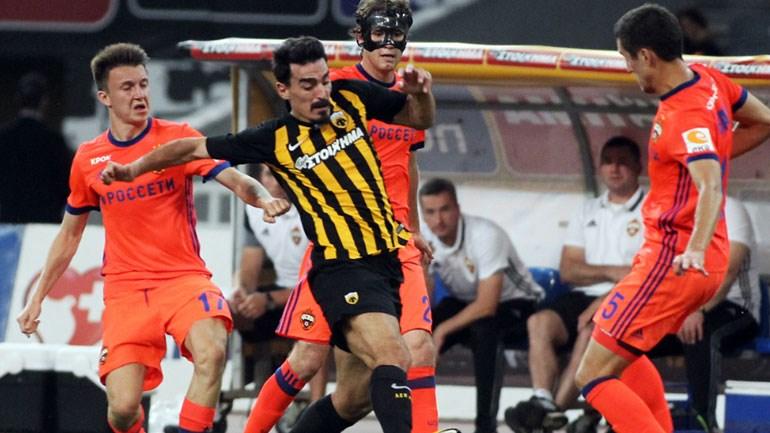 O Xριστοδουλόπουλος παλεύει με τρεις παίκτες της ΤΣΣΚΑ