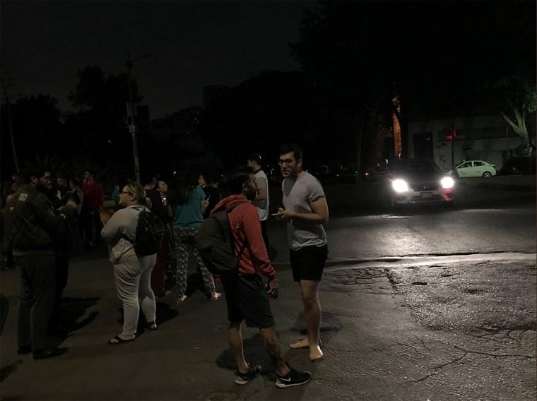 Πανικόβλητοι κάτοικοι του Μεξικού βγήκαν στους δρόμους