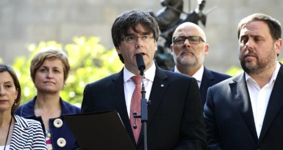 Ο ηγέτης των Καταλανών αυτονομιστών Κάρλες κινδυνεύει να κατηγορηθεί για ανταρσία.