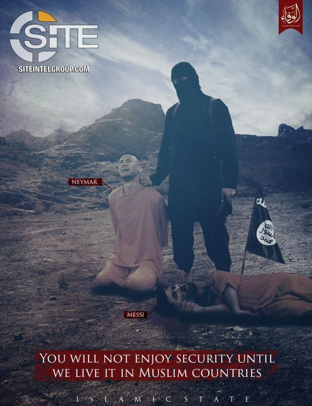 Στην φωτογραφία υπάρχει μήνυμα γραμμένο στα αγγλικά: «Δεν θα νιώσετε ασφάλεια αν δεν ζήσουμε σε μουσουλμανικές χώρες».