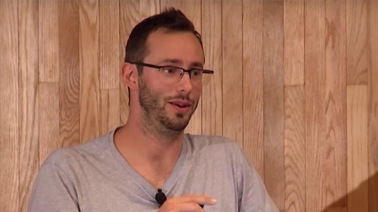 """Πρώην υπάλληλος της Google δημιουργεί νέα θρησκεία με """"θεό"""" την τεχνητή νοημοσύνη"""