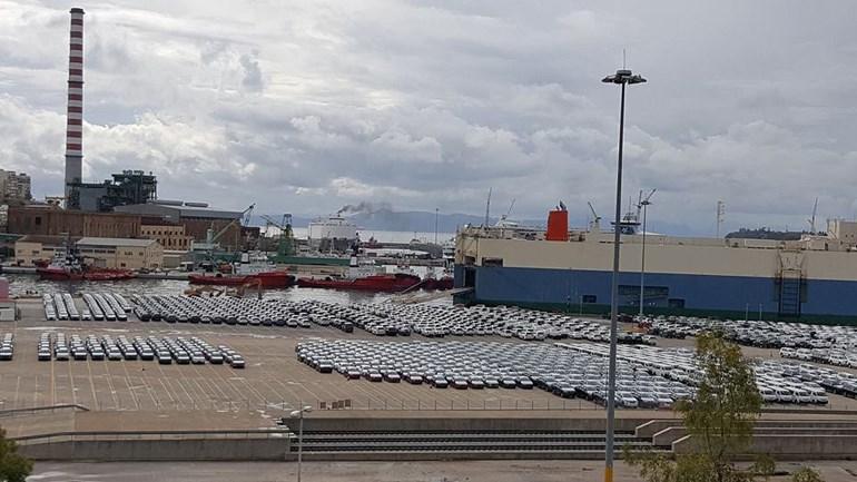 Καιθημερινά στο λιμάνι του Πειραιά έρχονται εκατοντάδες ή και χιλιάδες αυτοκίνητα