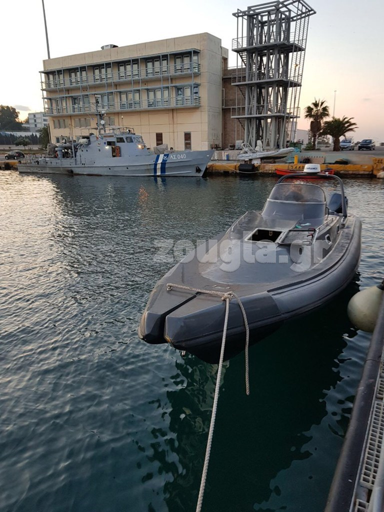 Το ταχύπλοο σκάφος με το οποίο οι ναρκέμποροι μετέφεραν την τεράστια ποσότητα ναρκωτικών