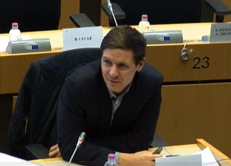 O Γερμανός δημοσιογράφος Jan Strozyk