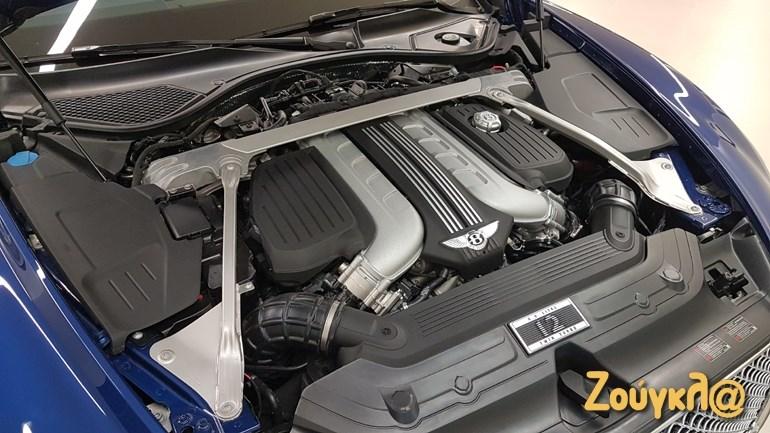 Ο θηριώδης κινητήρας W12 των 6.0 λίτρων αποδίδει 635 ίππους