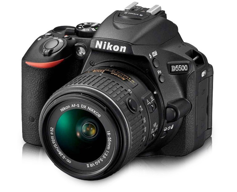 Η Nikon Digital Camera D5500 AF-P 18-55mm στα 599€