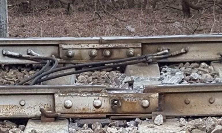 Το σημείο της σιδηροδρομικής γραμμής όπου πιθανότατα σημειώθηκε η αστοχία στο κλειδί και προκλήθηκε το δυστύχημα - Πηγή φωτό: La Repubblica