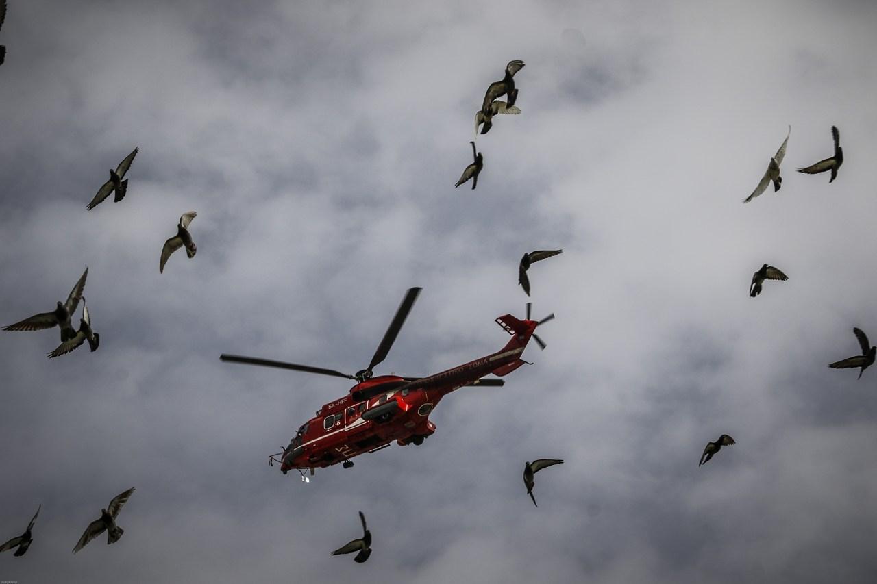 Εντυπωσιακές εικόνες από την πτήση μαχητικών στον Αττικό ουρανό Image