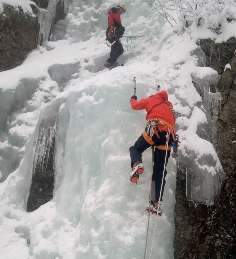 Καρέ-καρέ σκληρή άσκηση της Ελληνικής Ομάδας Διάσωσης Image