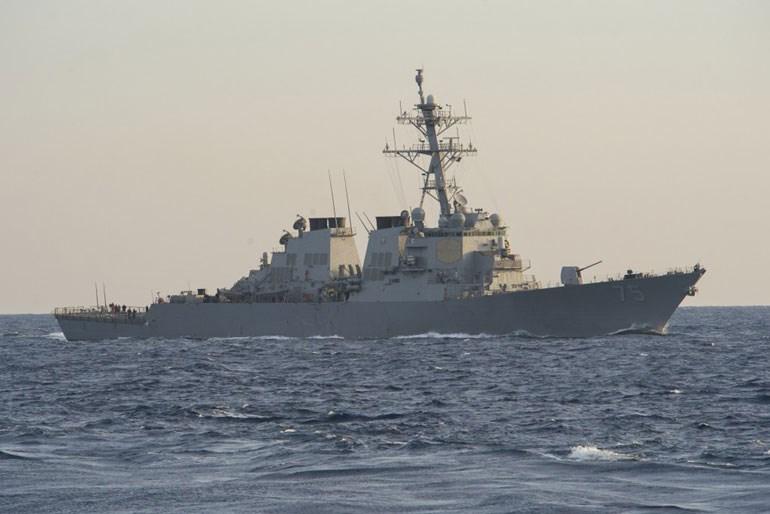 Το USS Donald Cook, το μόνο αξιόμαχο πλοίο των ΗΠΑ που βρίσκεται σε απόσταση βολής από τη Συρία