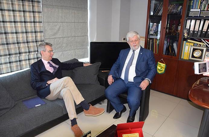 Ο Αμερικανός πρέσβης συναντήθηκε με τον δήμαρχο Τρίπολης Image