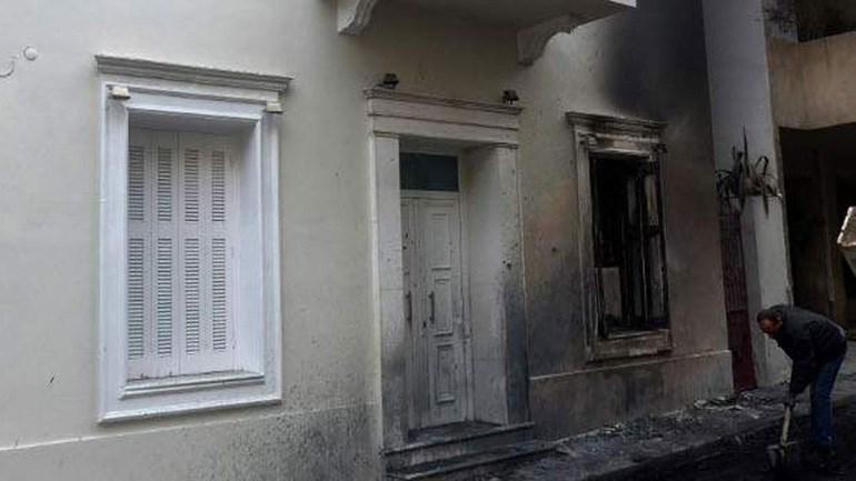 Φωτογραφία αρχείου από επίθεση στο σπίτι του Αλέκου Φλαμπουράρη