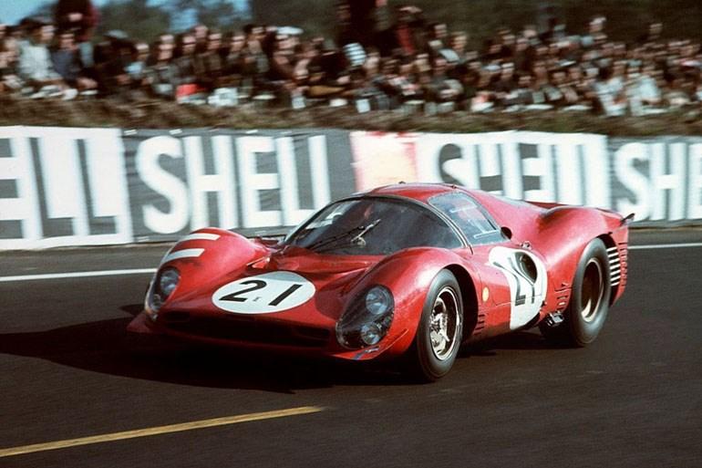 Στις αρχές της δεκαετίες του '60 η Ferrari έδειχνε πως ήταν άτρωτη στους αγώνες του Le Mans...