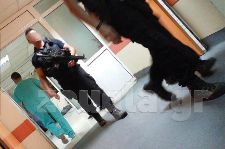 image - Λάρισα: Στο Νοσοκομείο μετά από αιματηρό επεισόδιο στη φυλακή.