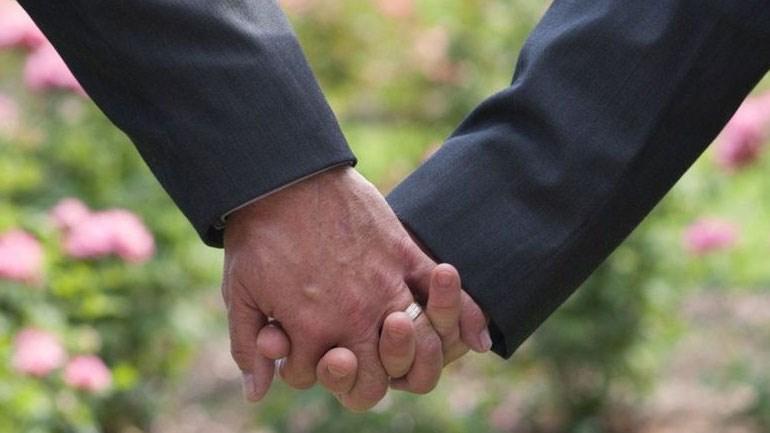 ΣτΕ: Επικύρωσε το σύμφωνο συμβίωσης ομοφύλων ζευγαριών