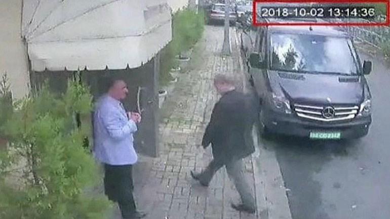 H τελευταία εικόνα του Τζαμάλ Κασόγκι, ενώ εισέρχεται στο προξενείο της Σαουδικής Αραβίας