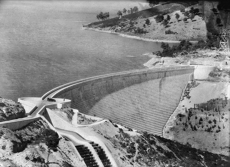 Άποψη του φράγματος και της λίμνης του Μαραθώνα, π. 1929.