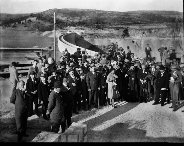 Τα εγκαίνια του έργου, στις 25.10.1929 (Ιστορικό Αρχείο ΕΥΔΑΠ)