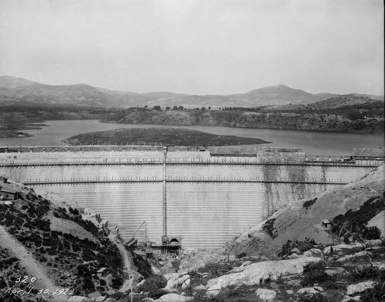 Γενική λήψη του φράγματος και της λίμνης  του Μαραθώνα, 30.04.1929.(Ιστορικό Αρχείο ΕΥΔΑΠ