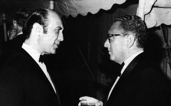 Ο Δημητρακόπουλος με τον Κίσιντζερ την δεκαετία του ΄50