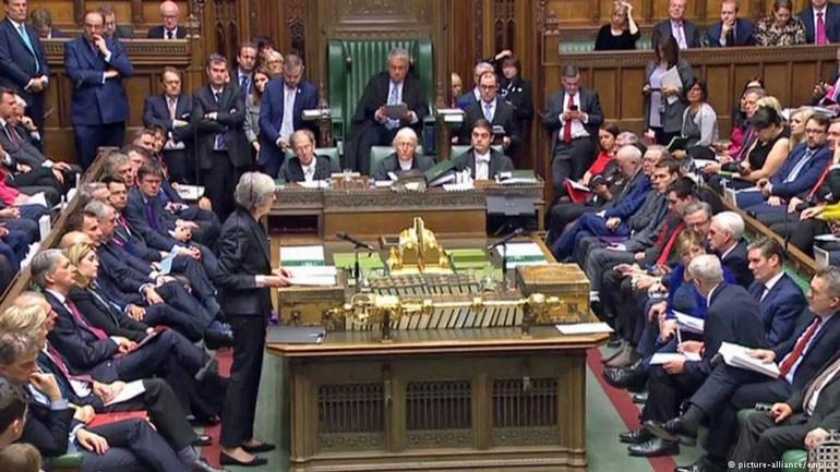 Η Τερέσα Μέι βρήκε απέναντί της ισχυρές αντιστάσεις στη βουλή