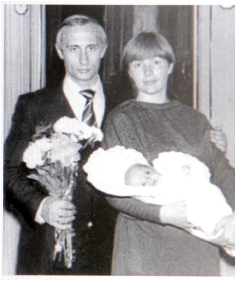 Μυστήριο για την ταυτότητα της «Στάζι» του Πούτιν 5481cd4a6b3