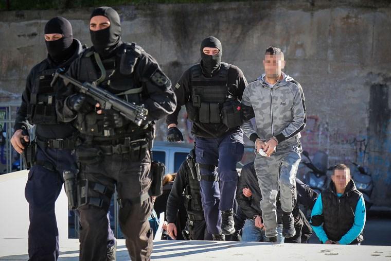 Μεταγωγή των κρατουμένων της σπείρας για την υπόθεση Ζαφειρόπουλου