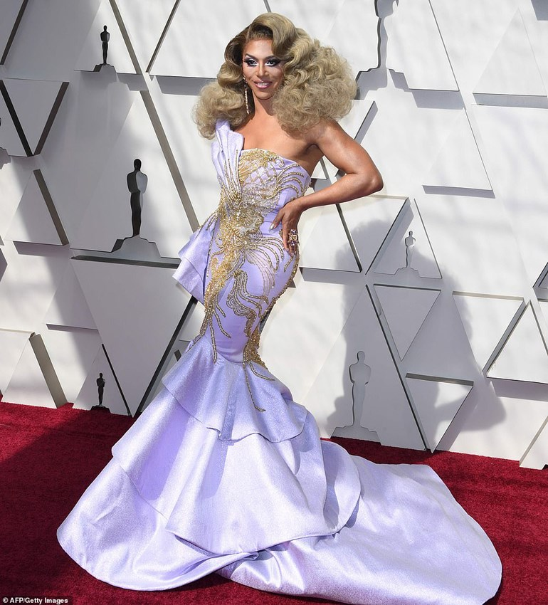 H γνωστή από το «Ru Paul's Drag Race» drag queen Shangela, μέλος του cast του «A Star is Born»