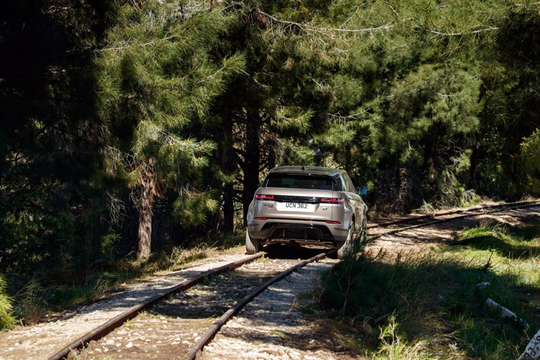 Εμπειρία να οδηγείς πάνω σε γραμμές... τρένου!