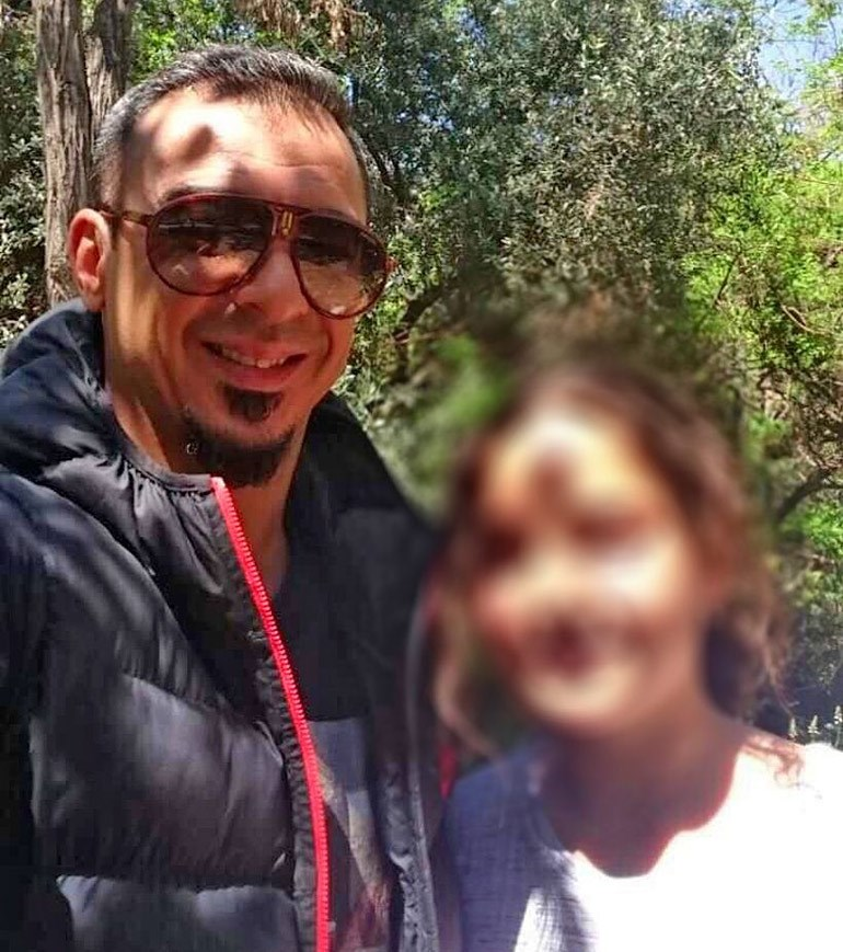 Ο 42χρονος με την κόρη του