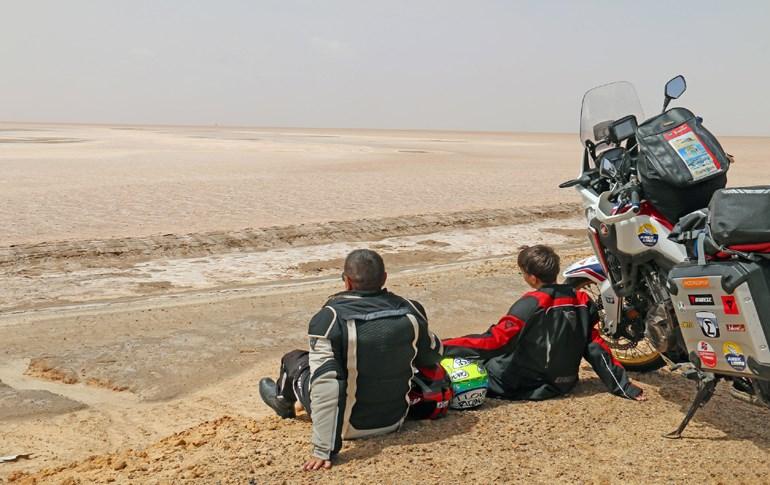 Το 2018 πατέρας και γιος ταξίδεψαν με μία Honda Africa Twin στην Αφρική...