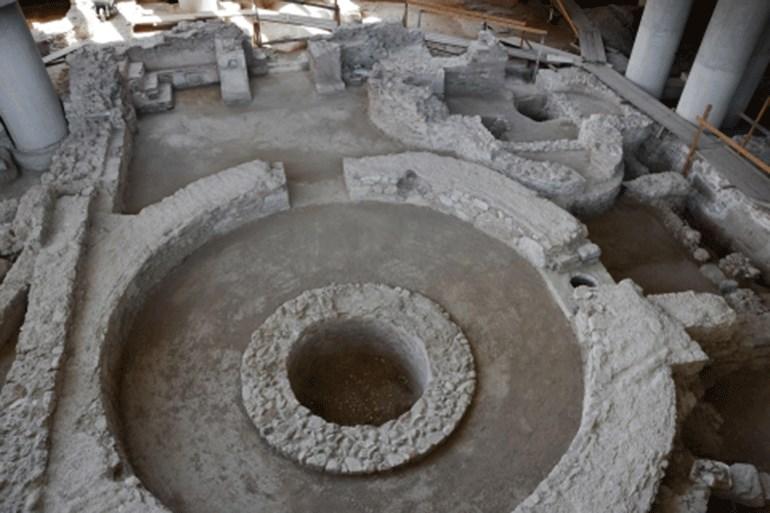 Το τρίκογχο δωμάτιο και η κυκλική αίθουσα - πύργος του κτηρίου Ε (αρχές 6ου αι. μ.Χ.)
